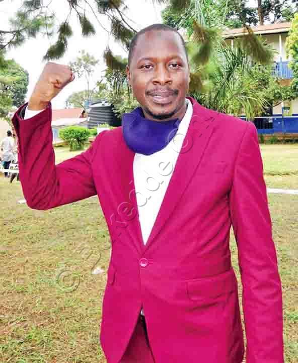 Yusuf Katabira Wa Sserwadda Ne Church Zooni E Kabowa.
