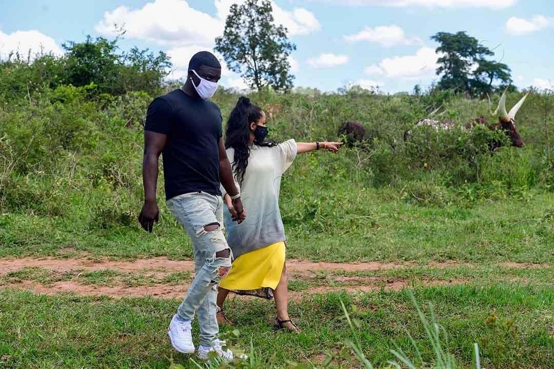 Omuyimbi Akon Ne Mukyala We Ku Ffaamu Ya Pulezidenti E Kisozi.