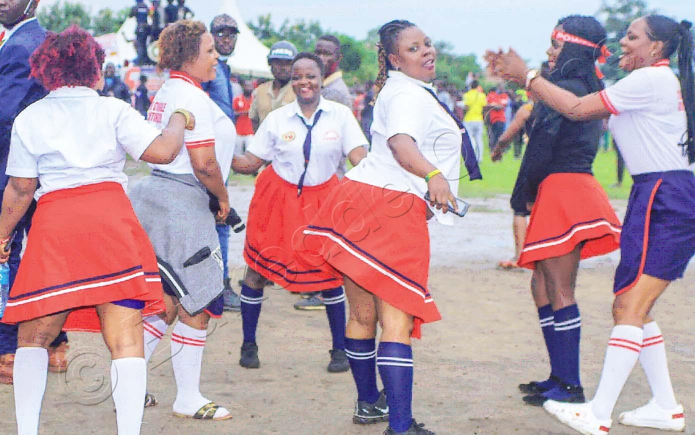 Abawala Ba Nup Abeeyita Nup High School Bongedde Ebirungo Mu Kampeyini Bwe Baabadde E Kasese.