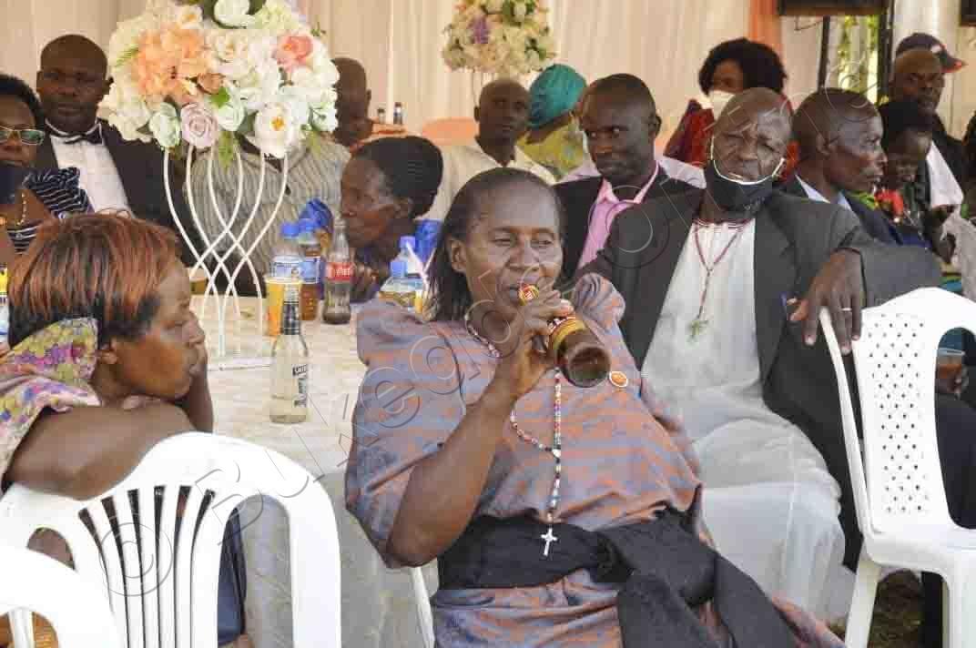 Fr. Joseph Kyakuwadde   Abagenyi Nga Beemisa Kabbiya.