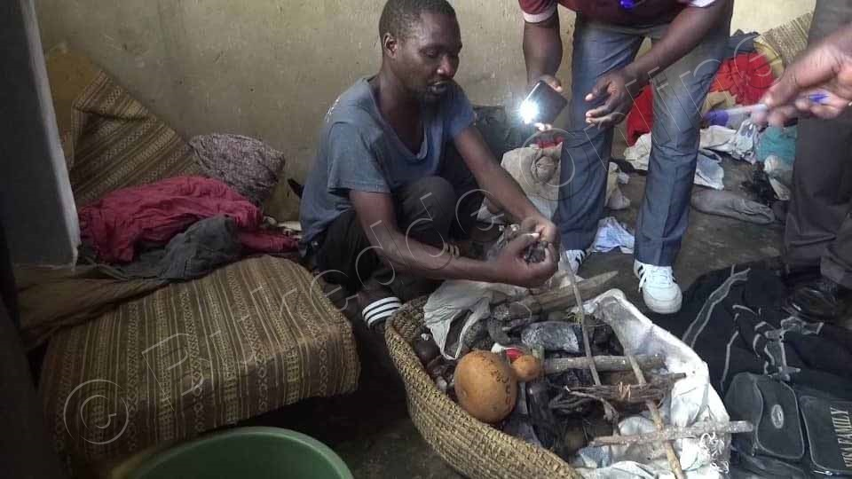 Kamoga Eyakwatiddwa Ng'alaga Ebyawongo