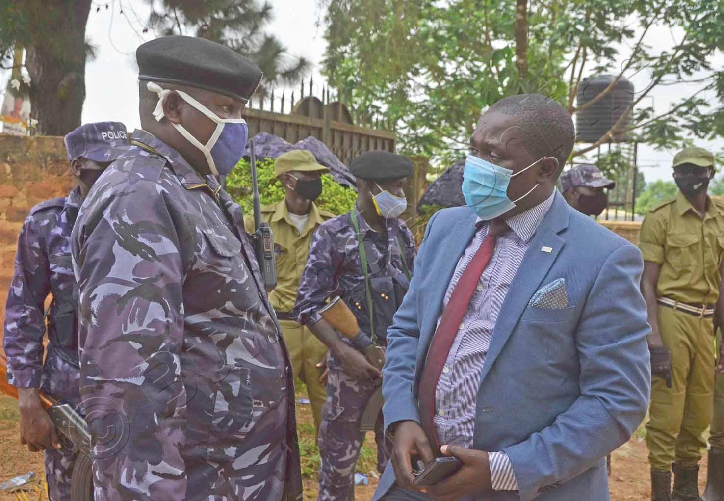 George Musisi Omu Ku Bannamateeka Ba Nup Ng'agezaako Okusaba Abaserikale Babakkirize