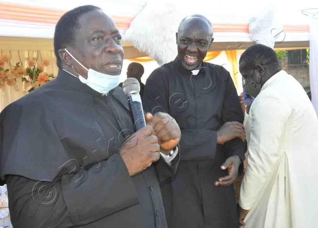 Fr. Joseph Kyakuwadde Ng'ali Ne Banne Baseka.