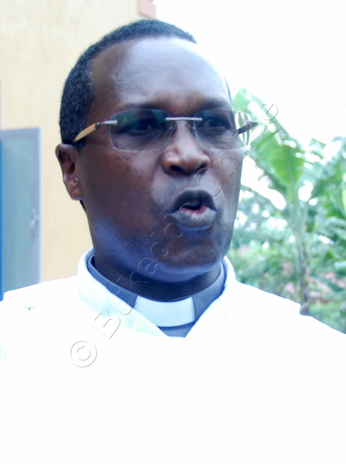 Ven. Rev.  Herbert  Kabanda Nyanzi Ow'obusumba Bwe Gayaza Gwe Balumirizza Okutunda Ettaka Lye Kkanisa.