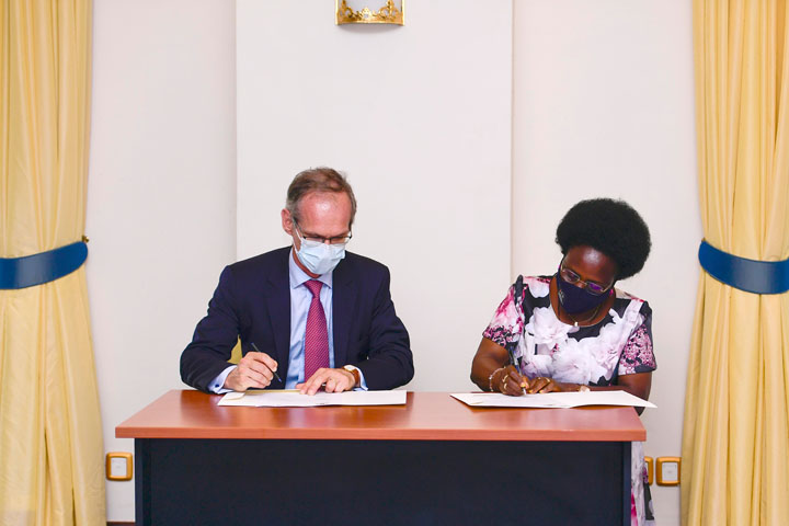 Signing Ceremony - The  Host Government Agreement For The East African Crude Oil Pipeline being signed by Kitutu and Terraz