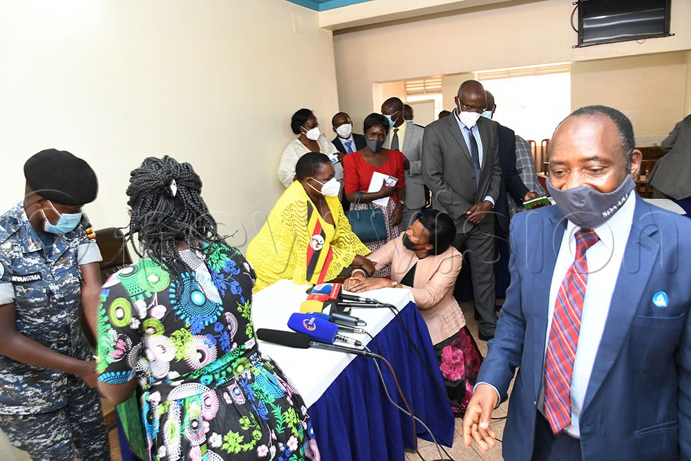 Kayunga Woman MP Aidah Nantaba greets PM Robinah Nabbanja.