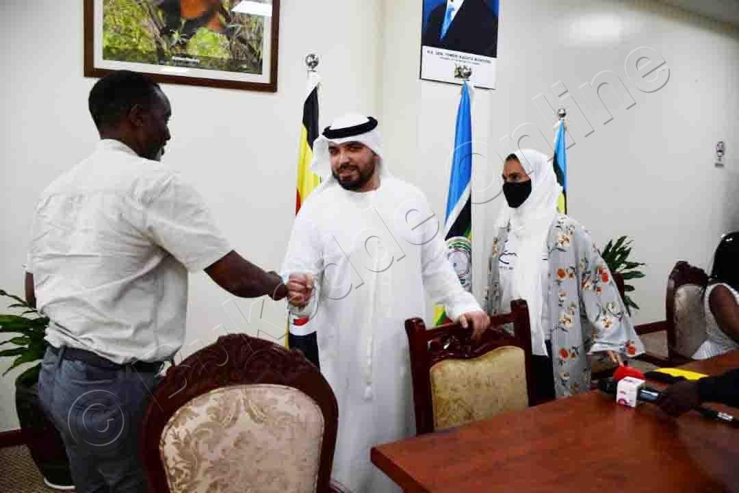 Amos Wekesa Okuva Mu Uganda Tourism Board Ng'ali Ne Khalid.