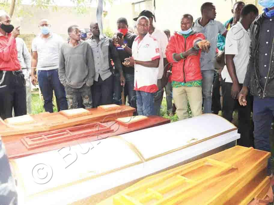 Abatuuze Ku Ssanduuko Omwassiddwa Emirambo.
